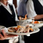 Zaposleni u trgovini, ugostitetljstvu i turizmu u RS-u među najmanje plaćenim