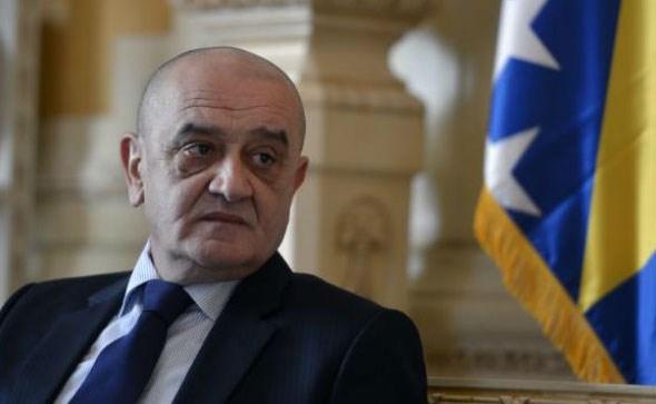Bevanda: EU prijeti sankcijama BiH ako ne poboljša kontrolu poreza