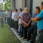 """Radnici """"Ratarstva"""" odustali od blokade puta, Kasipović obećao pomoć"""