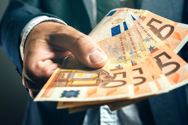 Suficit budžeta u maju 8,8 milijardi dinara