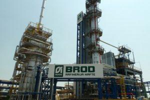 Slikovni rezultat za rafinerija nafte brod