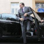 Dodik nezakonito kupuje novi automobil
