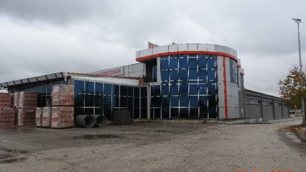 Prodaje se poslovni i stambeni objekat u Šamcu