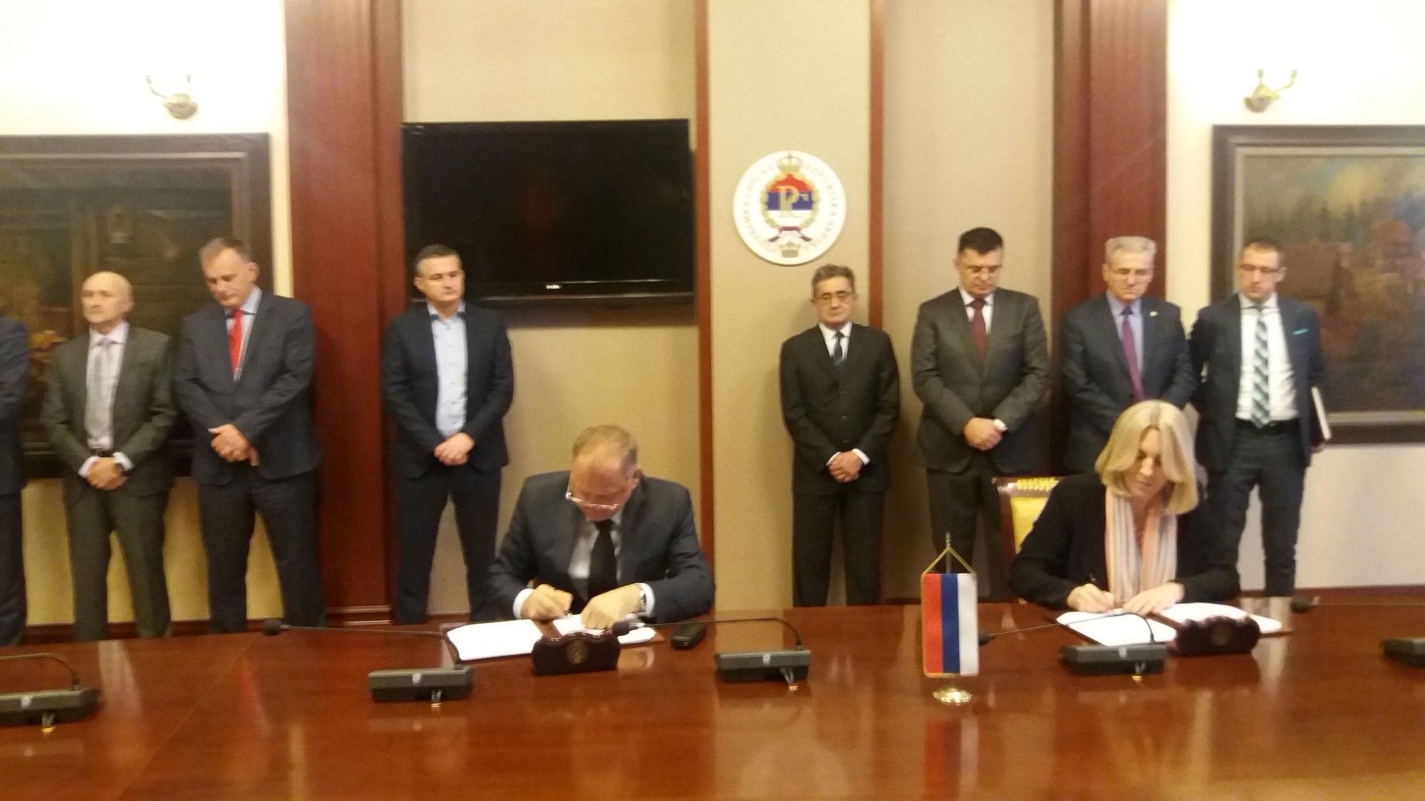 Vlada sa poslodavcima potpisala memorandum o zajedničkim politikama