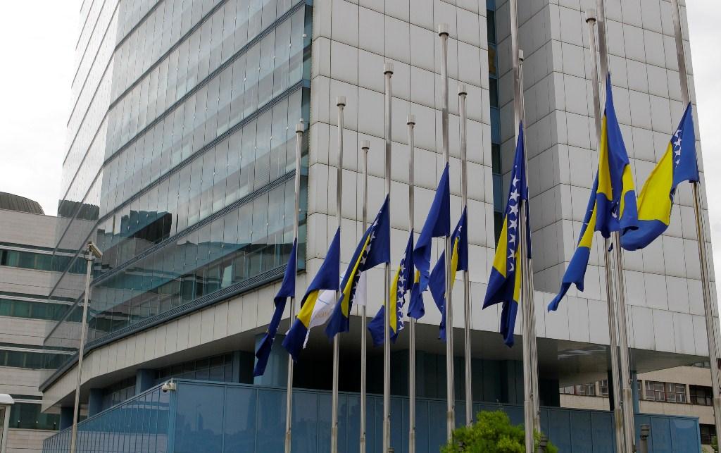 U prošloj godini u institucijama BiH 415 manje zaposlenih nego 2016. godine
