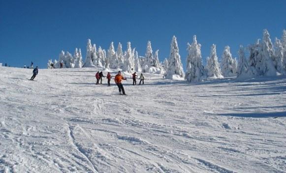 Na Ponijerima zvanično počinje sezona skijanja, danas besplatno skijanje