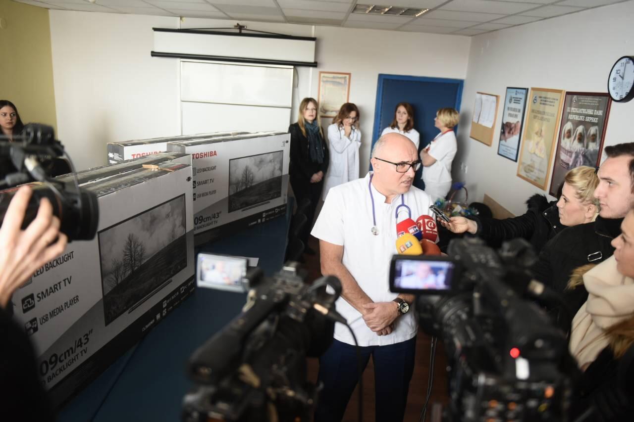 Kompanija Blicnet uručila donaciju Odjeljenju dječije hematoonkologije na UKC RS