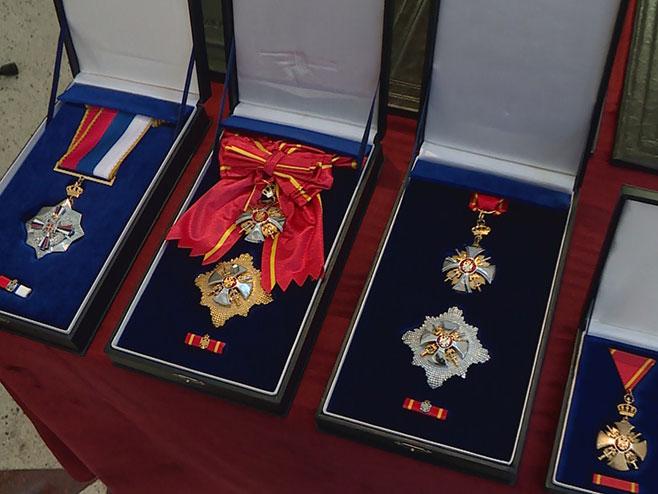 Dodik naručio 566 ordena, medalja i povelja