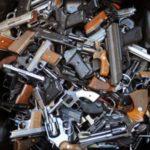MUP RS tajno prodao više od 10 hiljada pušaka i pištolja!