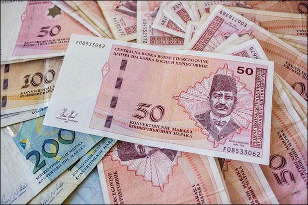 Prosječna neto plata u BiH u martu 869 KM