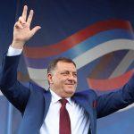 """Dodik za novo ordenje i automobile """"iskeširao"""" 230.000 KM"""
