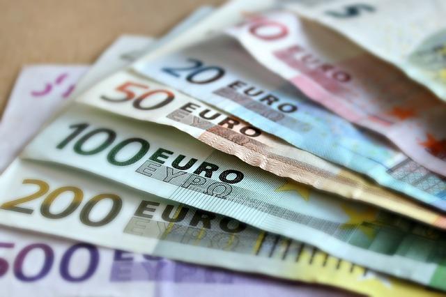 U Srbiji 378 štednih uloga većih od pola miliona evra