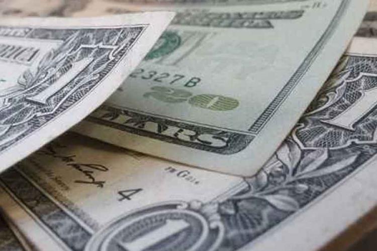 Dolar pao drugu sedmicu zaredom