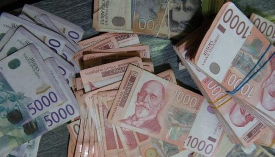 MMF: Srbija sama privukla polovinu investicija