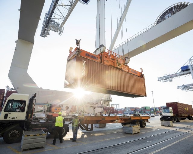 Amerika uvodi tarifu od 456 odsto jednoj azijskoj zemlji