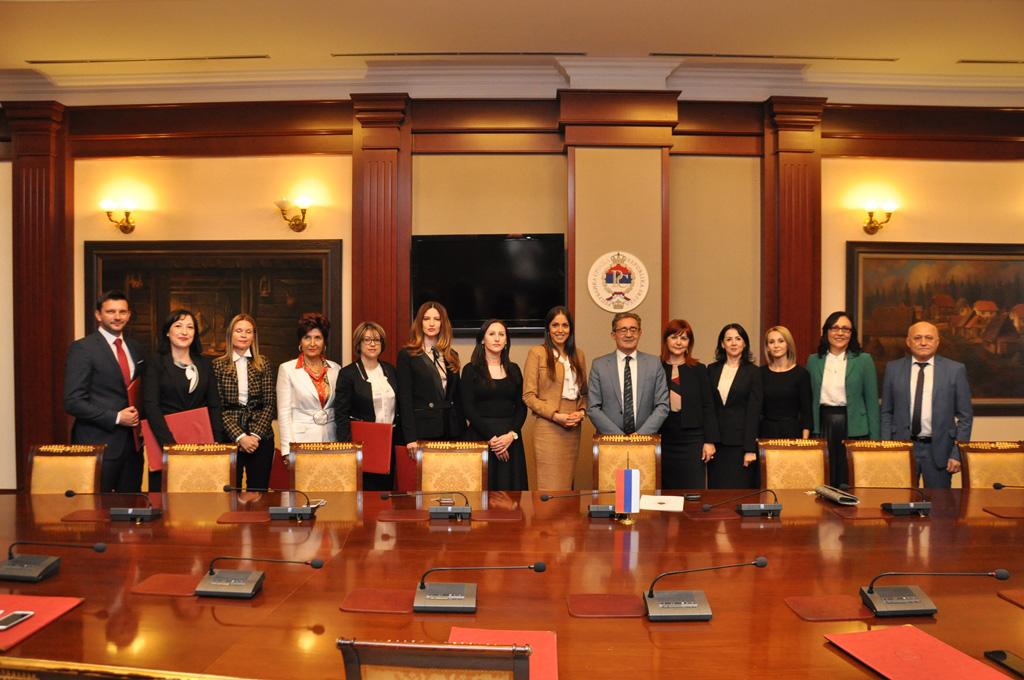 Imenovano deset novih notara u RS