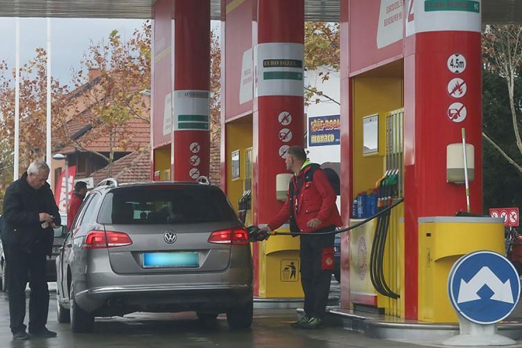 Rezervoar goriva u Banjaluci 14 KM skuplji nego u Bijeljini