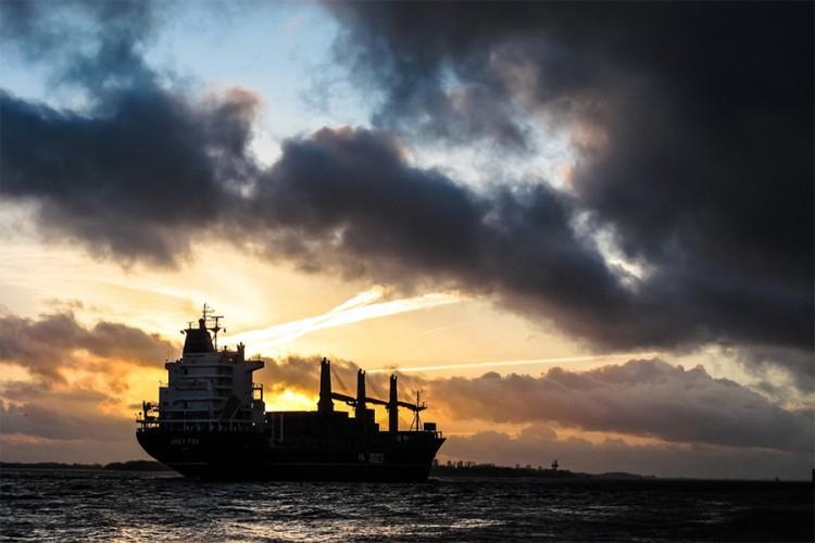U Crnu Goru stigao brod za istraživanje nafte