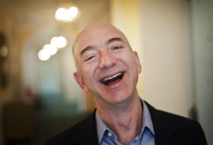 Džef Bezos za nekoliko sekundi zaradi godišnju platu u Srbiji