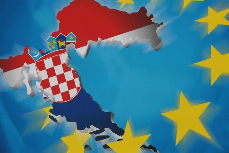 Većina Hrvata protiv uvođenja evra