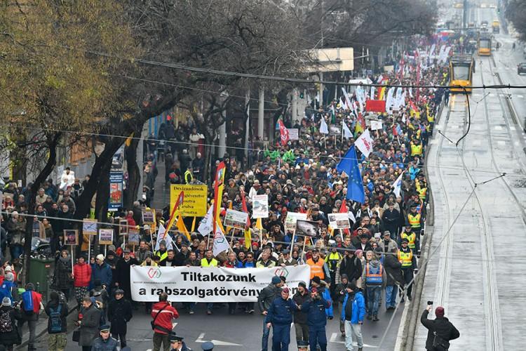 Hiljade Mađara protiv dopuna Zakona o radu