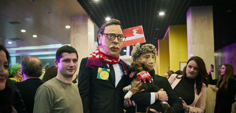 """""""Praznik mimoze"""": Nagrada za """"Vučić i Putin"""" maske"""