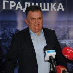 Adžić funkciju gradonačelnika proslavlja limuzinom od 140.000 KM