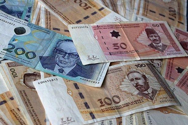 Najveća prosječna julska plata 1.459 KM u oblasti finansija
