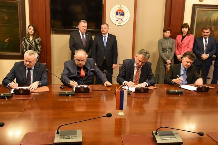 Potpisan ugovor za izgradnju prve faze autoputa na Koridoru 5c kroz Srpsku