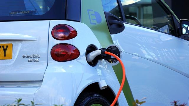 Električni automobil gori od dizelaša?