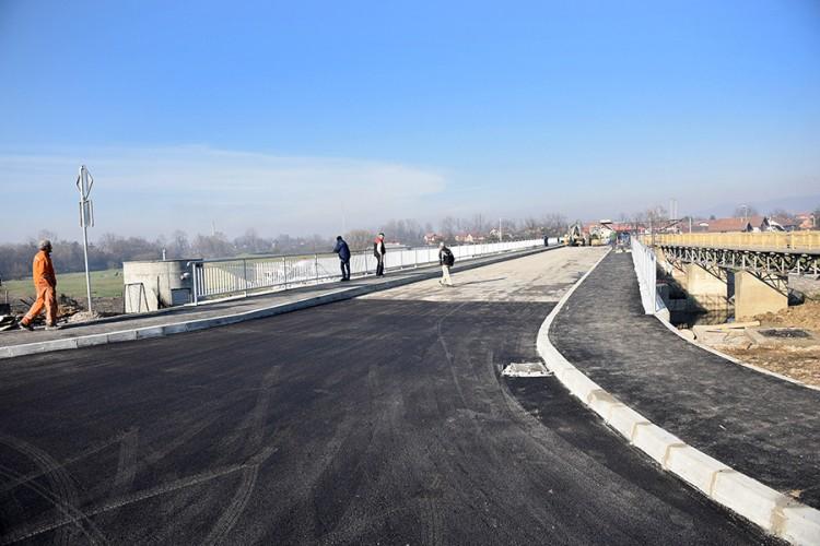 Koridor 5C je trebao biti gotov 2012. godine, a od 337 km do sada je izgrađeno 108