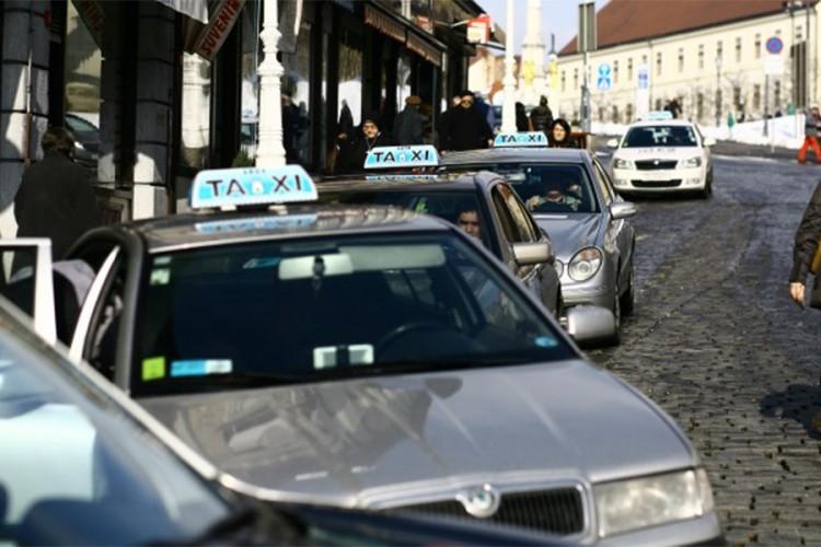 Broj zaposlenih u taksi službama u Hrvatskoj porastao 24 puta