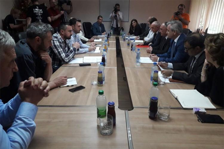 U ponedjeljak nastavak pregovora o radu ArcelorMitala i sudbini radnika
