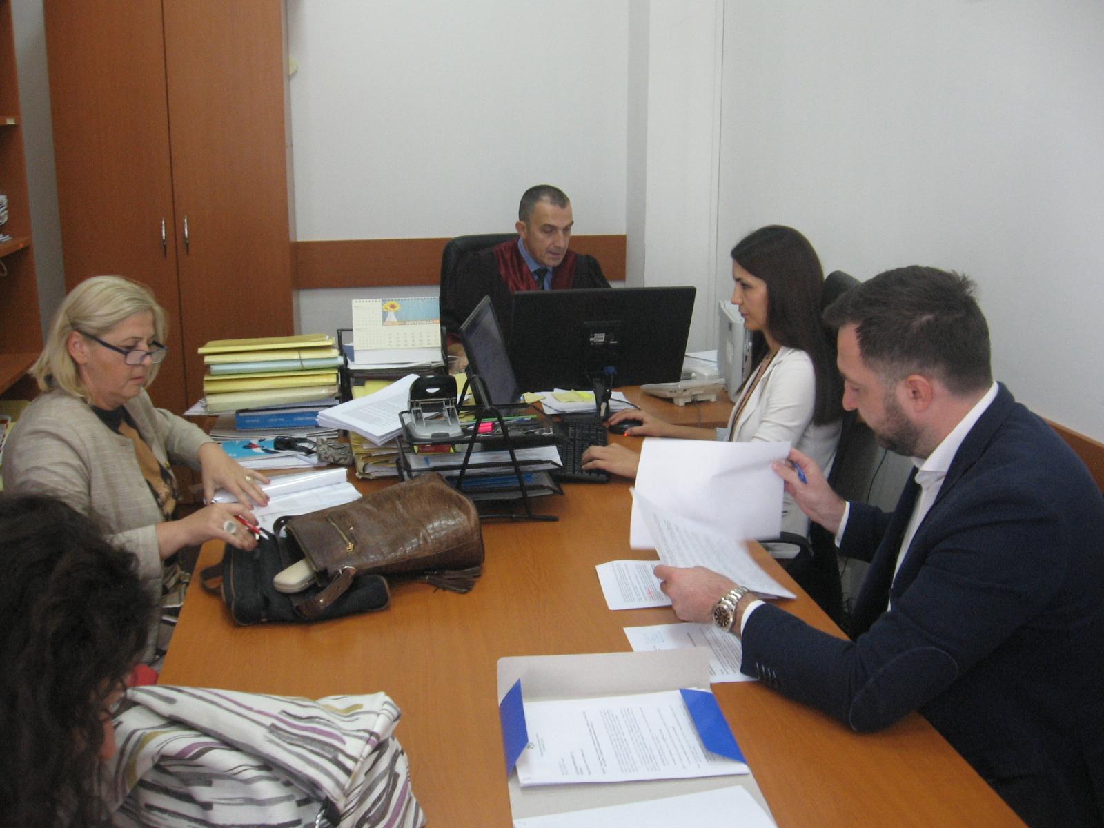 IRB i fondovi potražuju od Bobar banke 17 miliona KM