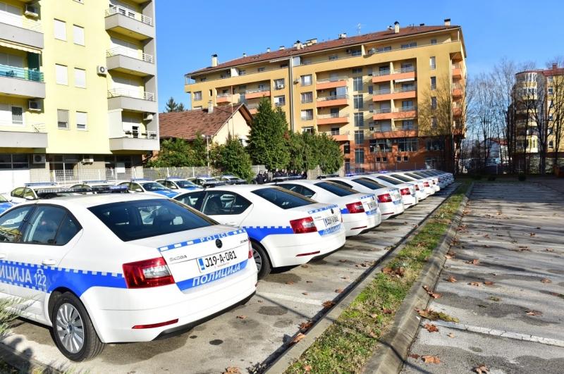 """MUP RS iznajmljuje 102 vozila od  """"Porsche leasinga"""""""