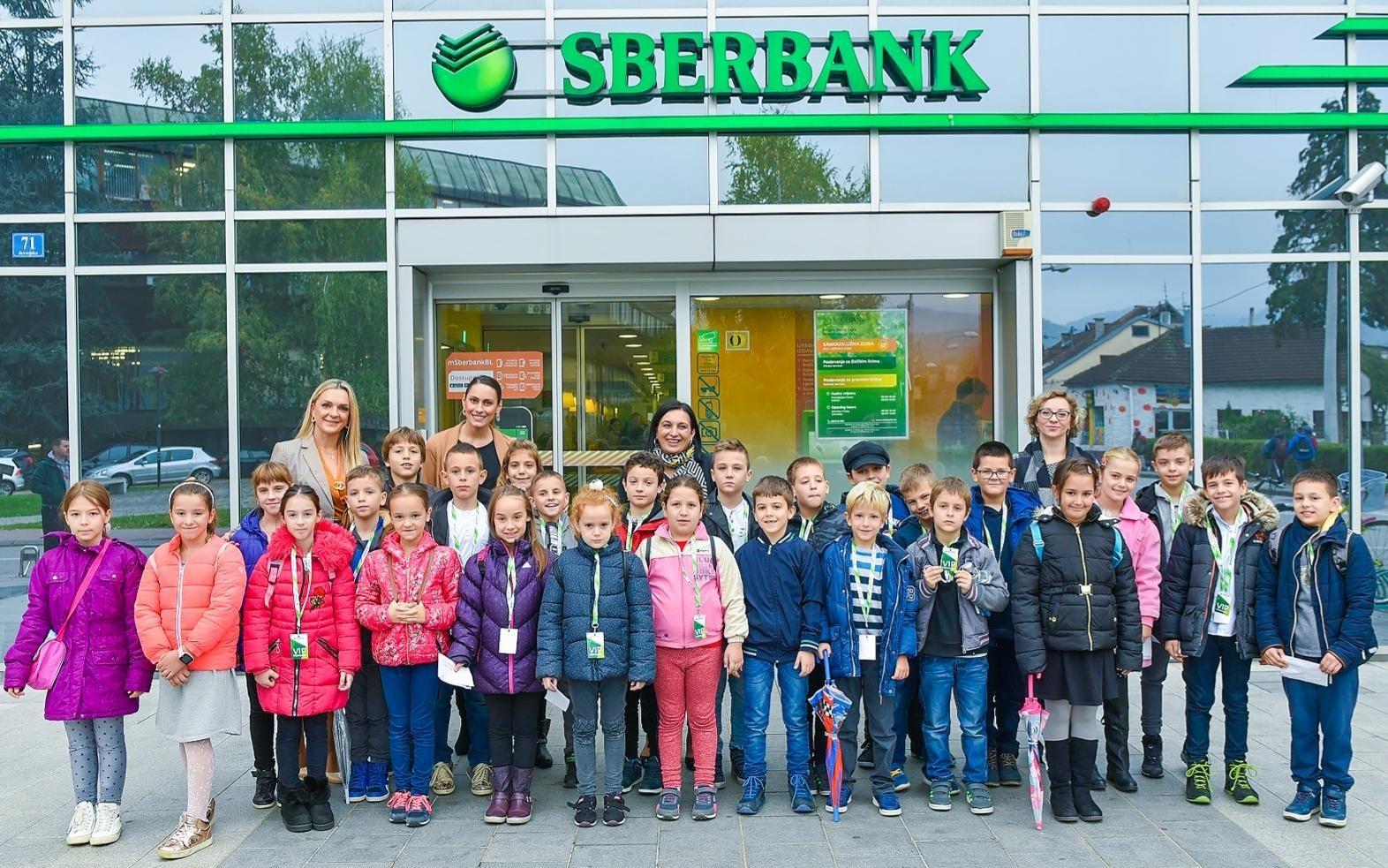 Sberbank Banja Luka: Posjetom osnovaca obilježen Dan štednje
