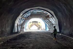 Tunel Prenj na Koridoru Vc koji prolazi kroz Bosnu i Hercegovinu kada se izgradi bit će jedan od najkompleksnijih objekata u istoriji građevinarstva Bosne i Hercegovine.
