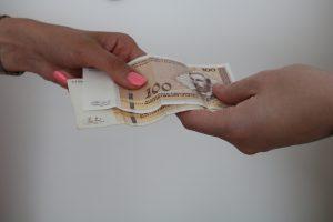 povećanje plata.