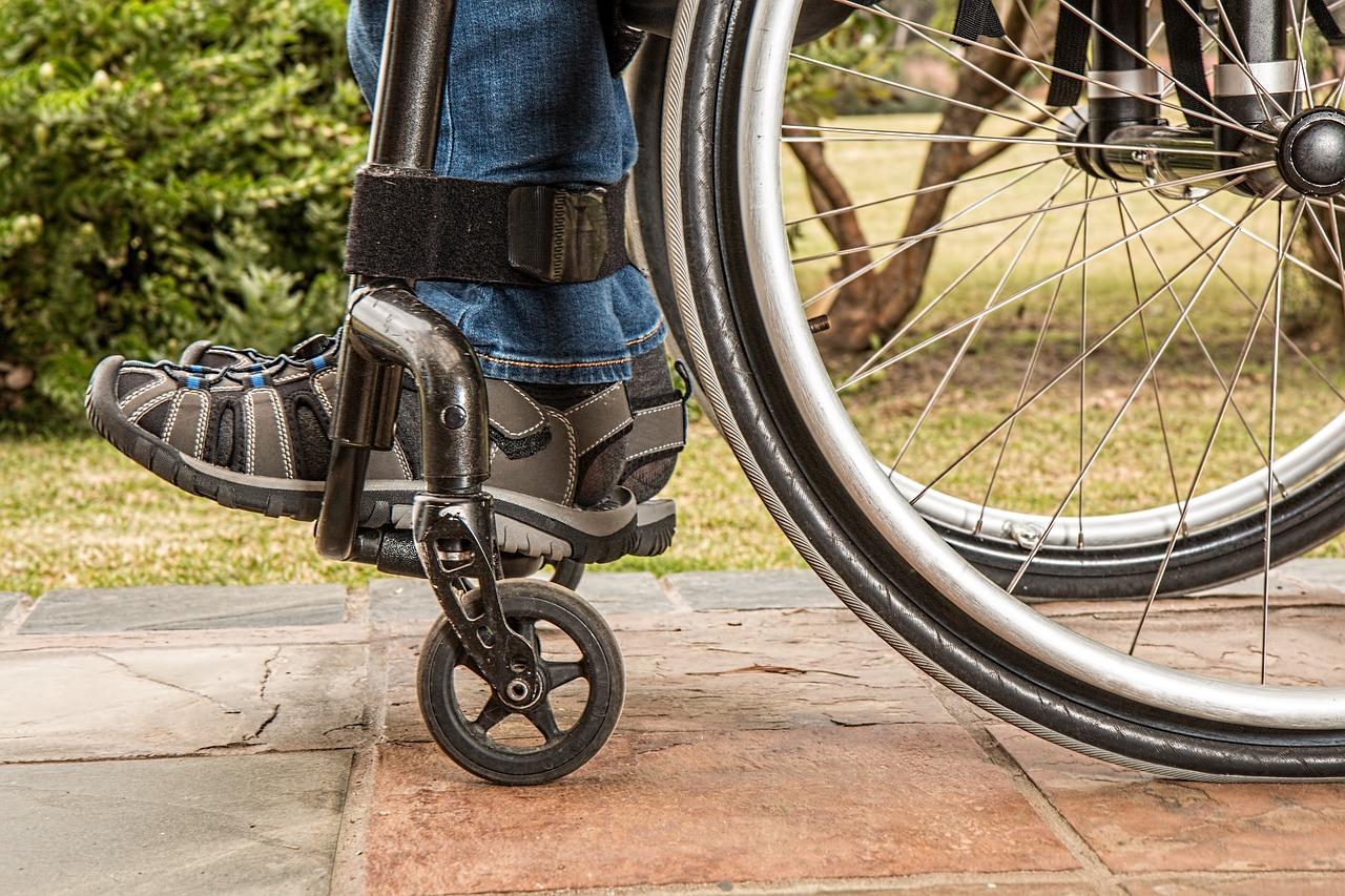 osobe sa invalididtetom